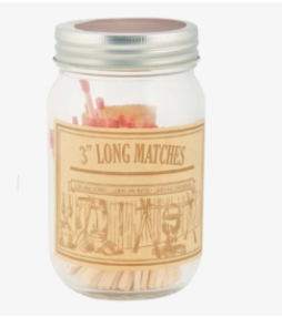 Lucifers in glazen pot